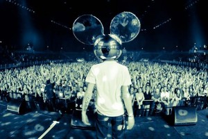 Meowingtons Takes Over The Mau5