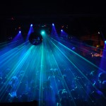 Crowd_and_laser